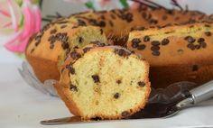 Ciambella alla panna con gocce di cioccolato