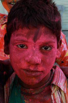https://flic.kr/p/99FWE2 | enfant barbouillé de couleur, fête du Holi, Jaïpur, Inde, India, Rajasthan (Philippe Guy)