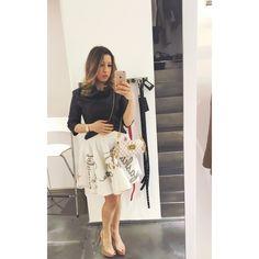 Ecco il mio #outfit per l'evento di ieri sera! Cocktail party by #massimorebecchi Che ve ne pare? Giacca #rinascimento gonna #imperial borsa #louisvuitton scarpe #christianlouboutin #ellisvenere