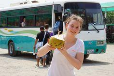 Heerlijk genieten van een cocos drankje tijdens de expeditiereis van PURE! www.pureexpedition.nl