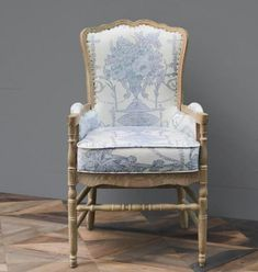 French Country Furniture, French Country Living Room, French Country Cottage, French Country Style, Farmhouse Furniture, French Country Decorating, French Style Homes, French Country Interiors, Farmhouse Chairs