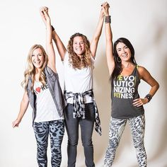 Hands up! Refit Revolution, Merry Christmas To All, Victorious, Hands, T Shirts For Women, Instagram Posts, Tops, Fashion, Moda