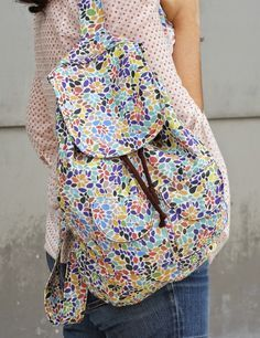 ILATELA: Tutorial: DIY, mochila para el día a día Sewing Hacks, Sewing Tutorials, Sewing Projects, Sewing Patterns, Backpack Tutorial, Diaper Bag Backpack, Mochila Tutorial, Costura Diy, Patchwork Bags
