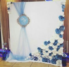 Just IdeasPaper flowers Large Paper Flowers, Giant Paper Flowers, Wedding Paper, Diy Wedding, Flower Decorations, Wedding Decorations, Photos Booth, Photo Booth Backdrop, Backdrop Ideas