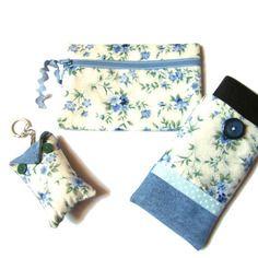 Idée cadeau de fête des mères : pochette de sac/portemonnaie, housse téléphone portable, porte-clés fleurs, bleu et blanc
