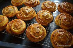 Melcisori cu nuca reteta vieneza | Savori Urbane Mushroom Soup, Dessert Recipes, Desserts, Stuffed Mushrooms, Muffin, Gem, Breakfast, Food, Cow