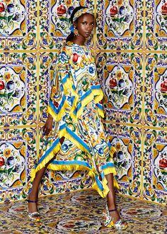 Scopri Dolce & Gabbana Collezione Donna Autunno Inverno 2016 2017 Maiolica e lasciati ispirare.