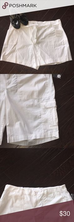 CROFT & BARROW White Self-Tie Bermuda Shorts Keep comfortable and stylish in these women's Croft & Barrow Bermuda shorts, featuring a self-tie belt.   PRODUCT FEATURES •2 pork chop pockets  •2 back pockets •Stretchy cotton blend FIT & SIZING •5 1/2-in. inseam •High rise sits on the natural waistline •Zipper fly FABRIC & CARE •Cotton, spandex •Machine wash •Imported croft & barrow Shorts Bermudas