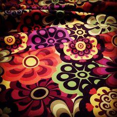 estampa floral, colorful, colorlovers, flores, flower, sarla, tecido estampado, almofadas, poltronas, casa, decoração, cool, colorido, Brasil, casa colorida