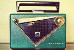 Cool vintage radio!