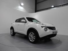 Nissan Juke 1.6 Tekna finished in Arctic White with Black Leather Upholstery. For more details: http://www.simonjamescars.co.uk/nissan-juke-tekna-in-derbyshire-3634762