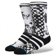 Destruction is its own form of creation. And from its fragments of black and white, Stance's Wreckage offers fresh style. The sock's 200 needle count—and luxurious combed cotton—delivers a plush ride and clean appearance. For additional durability, the Wreckage features a reinforced heel and toe $14