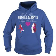 Mother and Daughter - United © Kingdom QatarThe Love Between Mother and Daughter Knows No Distance. If You Are Born in United Kingdom But Live In Qatar. This is Perfect Shirt For Your Mother and You.United,Kingdom