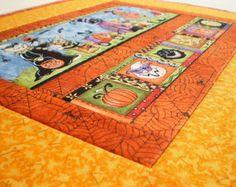 Trapunta di Halloween, attaccatura di parete trapuntato - Trick Or Treat - Oggettistica per la casa per i bambini - foglie di zucca gialle, arancione ragni ragnatele, Topper tavolo