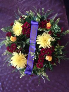2015 wreath Anzac Day, Remembrance Day, Flower Arrangements, Floral Wreath, Projects To Try, Wreaths, Flowers, Decor, Floral Arrangements