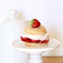 Cakes in the city: Shortcakes