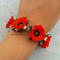 Hey, I found this really awesome Etsy listing at https://www.etsy.com/listing/217263566/poppies-bracelet-red-flower-bracelet