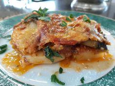 """Νόστιμη συνταγή μαγειρικής από """"Helena's Greek cooking""""      Υλικά:  5 μελιτζάνες σε ροδέλες  5 πατάτες σε ροδέλες  2 κολοκυθάκια σε ροδέλες  3 μεγάλα άσπρα μανιτάρια σε φέτες  3 ντομάτες ώριμες τετριμμένες  2 μεγάλες ντομάτες σε ροδέλες  1 κ.σ πάστα ντομάτας  3 σκελίδες ψιλοκομμένες Lasagna, Pork, Beef, Breakfast, Ethnic Recipes, Eggplants, Kale Stir Fry, Meat, Morning Coffee"""