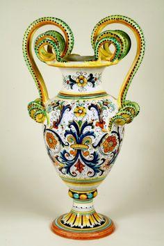 1402 Vase , Amphoras   Italian Ceramics