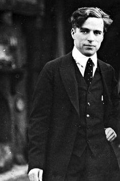 Twitter / HistoryInPics: Charlie Chaplin, 1925. ...