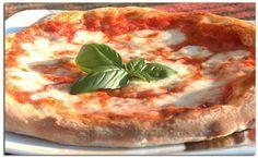 Rezept für eine traditionelle Pizza Margherita von unserem Holzofen