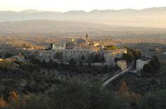 Giano dell'Umbria alle 8 di mattina di dicembre dal Monte Cerreto