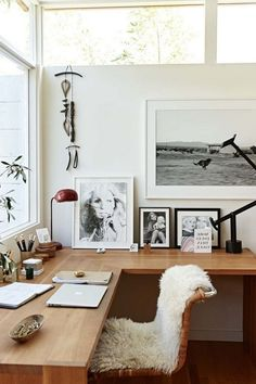 Home Interior Design — Writing space – Home Office Design İdeas Home Office Space, Home Office Decor, Office Ideas, Small Office, Office Inspo, Office Spaces, Bedroom With Office, Large Office Desk, Modern Office Desk