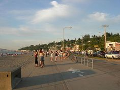 20 Awesome Free Things to Do in Seattle Alki Beach Seattle, West Seattle, The Places Youll Go, Great Places, Places To Visit, Seattle Asian Art Museum, Best Beaches To Visit, African American Museum, Cool Restaurant