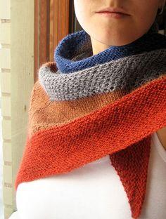 Textured shawl, love the colors!    #shawl #triangleshawl #knit