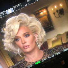 Erika Jayne Girardi Gets Short Marilyn Monroe-esque Platinum Bob Haircut Asymmetrical Bob Haircuts, Layered Bob Hairstyles, Elegant Hairstyles, Blonde Bob Haircut, Haircut Style, Bobs For Thin Hair, Pin On, Lob Hairstyle, Big Hair
