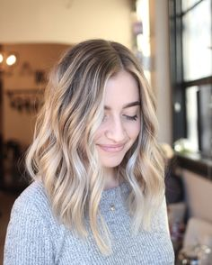 Heavy Balayage Hair Painting for a beachy low maintenance blonde / sunkissed blonde/ hair ideas / hair inspo/ long blunt texture haircut
