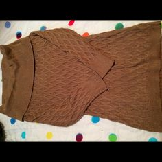 Long gold sweater with 3/4 sleeves Gold and sparkly jaclyn smith Sweaters