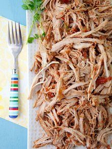 Crock Pot Pulled Pork Tacos Video from Weelicious Slow Cooked Meals, Crock Pot Slow Cooker, Crock Pot Cooking, Slow Cooker Recipes, Crockpot Recipes, Cooking Recipes, Tacos Crockpot, Easy Cooking, Pork Recipes