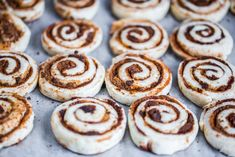 Cinnamon Rolls, Recipies, Cookies, Food, Cooking Recipes, Kochen, Recipes, Crack Crackers, Biscuits
