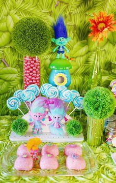 dreamworks trolls dessert table