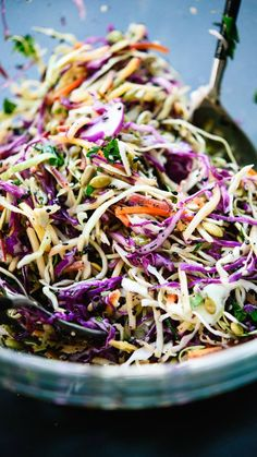 Simple healthy coleslaw recipe with an irresistible lemon dressing and ., salad recipes Simple healthy coleslaw recipe with an irresistible lemon dressing and . Healthy Coleslaw Recipes, Vegan Coleslaw, Easy Salad Recipes, Easy Salads, Healthy Salads, Whole Food Recipes, Vegetarian Recipes, Healthy Eating, Cooking Recipes