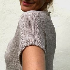 Ravelry: Beyond the Dunes pattern by Hinterm Stein Summer Knitting, Hand Knitting, Knitting Patterns, Knitting Ideas, Knit Vest Pattern, Knitwear, Knit Crochet, Sweaters For Women, Clothes For Women