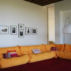 Reading Chair Design, Pictures, Remodel, Decor and Ideas - page 4 Picture Arrangements On Wall, Photo Arrangement, Escape Space, Chair Design, Wall Decor, Couch, Contemporary, Living Room, Interior