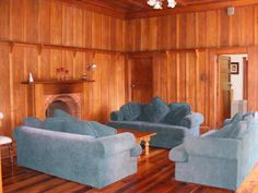 Martinborough Holiday Home Rental - 3 Bedroom, 1.0 Bath, Sleeps 11