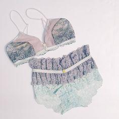 an.g/New color bra グレーのトライアングルブラ入荷✨ 大人っぽい落ち着いたトーンに 淡いブルーやグリーンの装飾でさわやかに  コーディネートはミント、ホワイト、アイボリー、グレーetc…いろいろ楽しめます!  #angbasic #laangelita #lingerieshop #handmadelingerie #ラアンヘリータ #アンヘ #ランジェリー #表参道