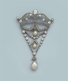 BELLE EPOQUE NATURAL PEARL AND DIAMOND PENDANT