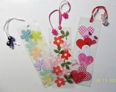 Create a Homemade Mothers Day Craft Gift and Pamper mom with Mother's Day gift ideas that make her feel special. Homemade Mothers Day Craft Gift comes straight from the heart. Diy And Crafts, Crafts For Kids, Paper Crafts, Homemade Bookmarks, Book Markers, Mothers Day Crafts, Family Gifts, Family Holiday, Craft Kits