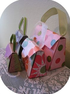 Purse gift box/party favor....very cute!