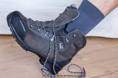 schnuer tutorial wanderschuhe richtig binden 01 Best Mountain, Hiking Essentials, Funny Bunnies, Glamping, Trekking, Hiking Boots, Outdoor, Shoes, Fitness Workouts
