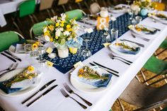 Table runner + colour palette