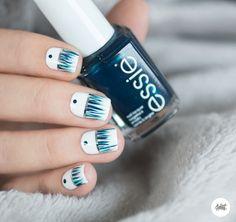 Nail art – Des franges bleues sur mes ongles !