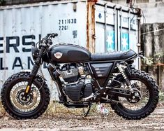 This Custom Scrambler Is The Royal Enfield We Really Want Norton Cafe Racer, Cafe Racer Bikes, Cafe Racers, Triumph Scrambler, Scrambler Motorcycle, Motorcycle Gear, Custom Trikes, Custom Motorcycles, Royal Enfield Modified