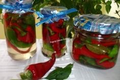 Ardei iuti la borcan Canning Pickles, Pickels, Desert Recipes, Preserves, Celery, Pantry, Mason Jars, Deserts, Homemade