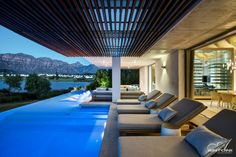 Winelands Home in Stellenbosch, South Africa by Antoni Associates