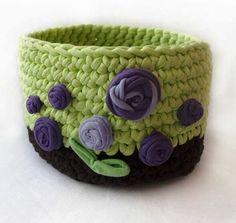 Crochet Basket Tutorial, Crochet Basket Pattern, Knit Basket, Crochet Patterns, Crochet Cozy, Love Crochet, Crochet Yarn, Yarn Projects, Crochet Projects